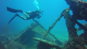 Gears Necessary for Wreck Diving